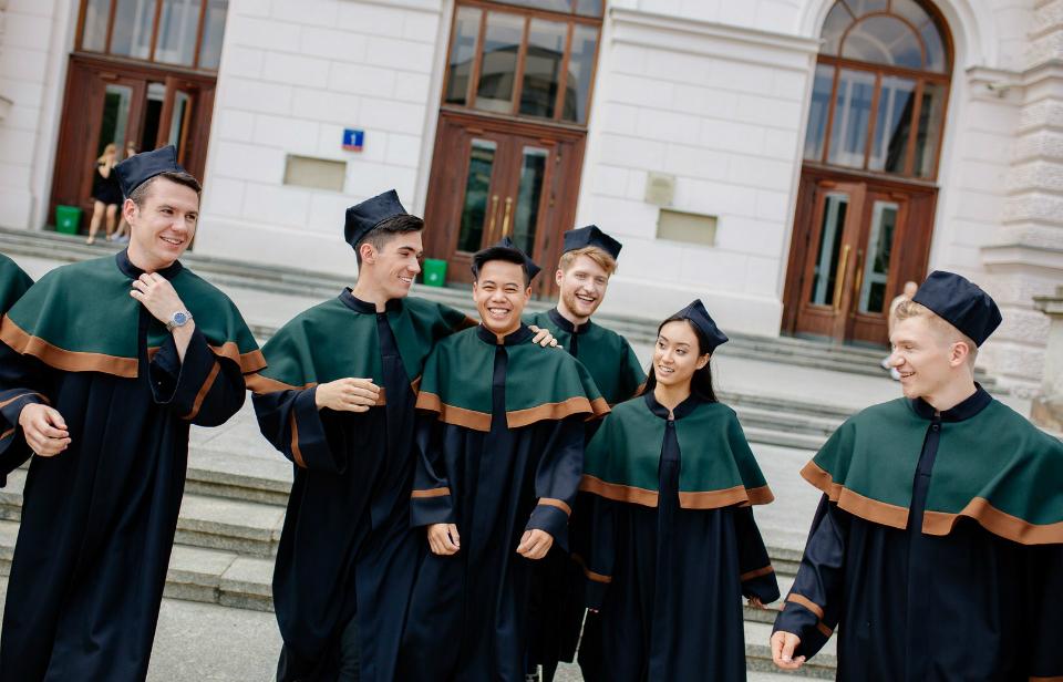 PW liderem w rankingu wynagrodzeń absolwentów uczelni technicznych